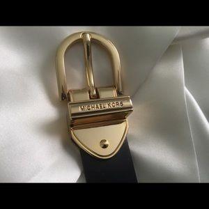 Michael Kors Convertible Navy/Cream Belt 36 in.